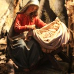 Maria und Jesuskind in der Krippe von Hainfeld 2014